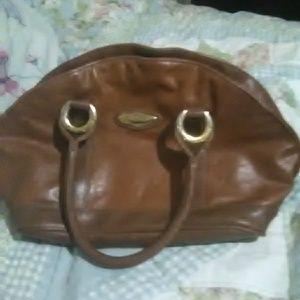 Capezzio purse